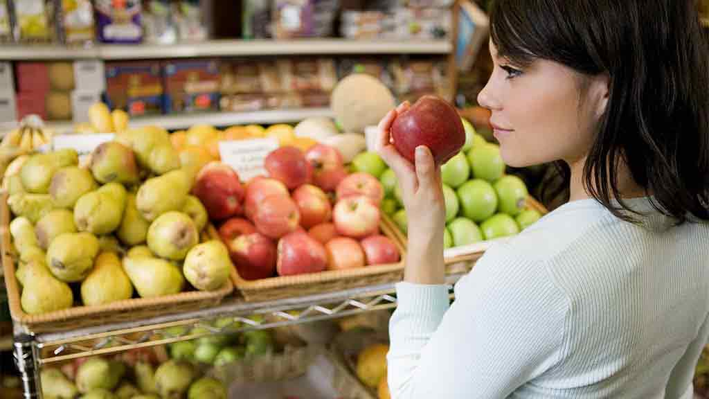 supermarkets consumer buying food Grocery stores, supermarkets, convenience stores and discounters news, analysis and insight.