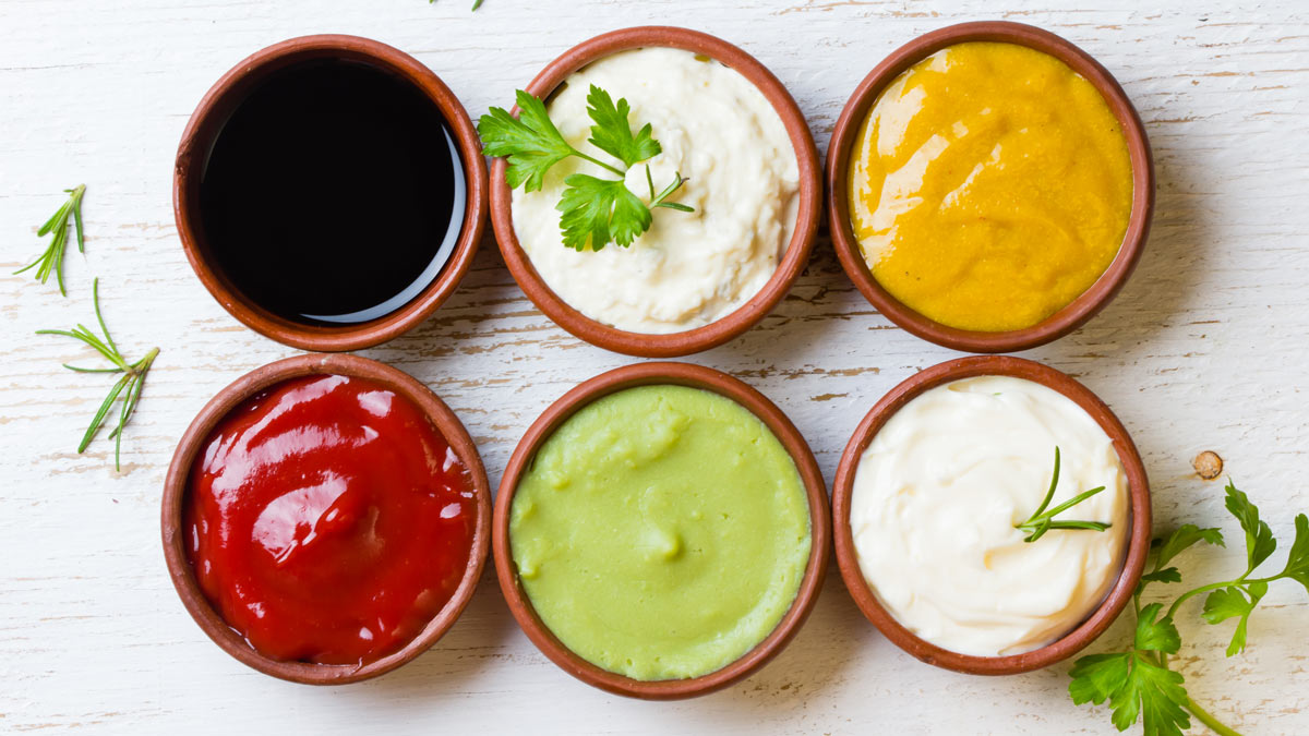 bowls of sauces and condiments buying guide