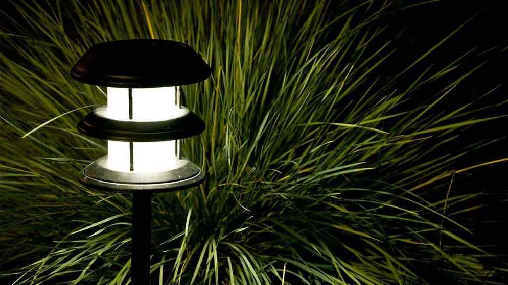 Garden lights buying guide gardening choice - A buying guide for garden lights ...