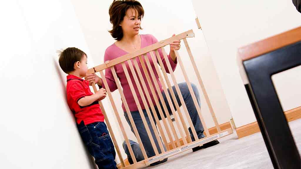 Safety Gates And Barriers Buying Guide Children And Safety