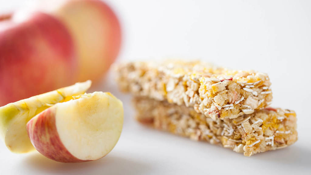 cereal bar with apple