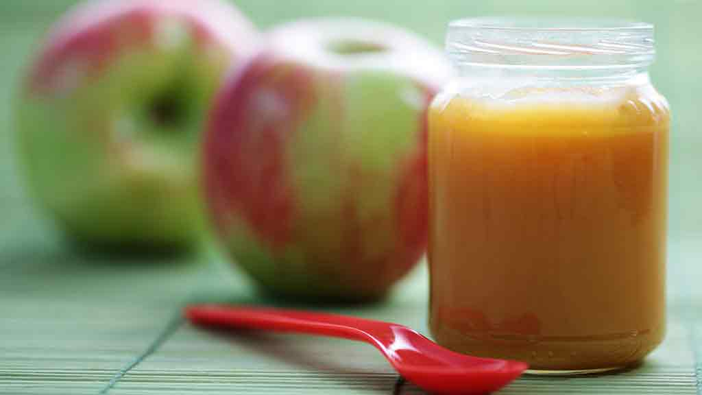 pureed food and apples
