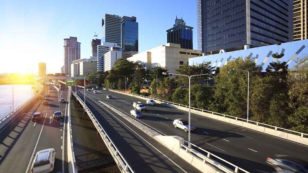 cars_on_busy_brisbane_city_street