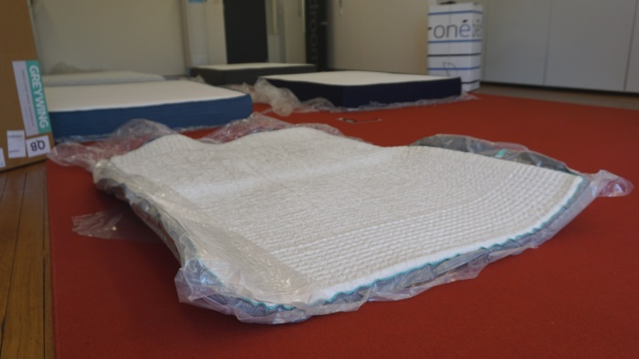 mattress sale price investigation inner spring vs bed in a box. Black Bedroom Furniture Sets. Home Design Ideas