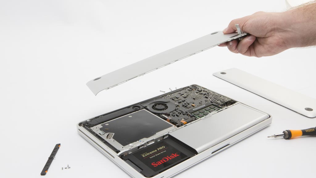 how to test a laptop before you buy